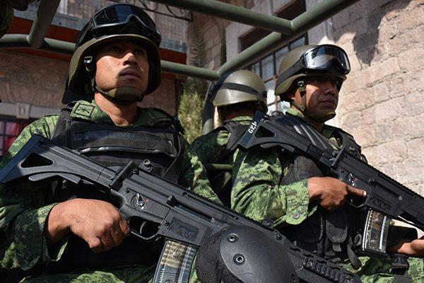 """Fusil FX-05 la """"Serpiente de Fuego"""" del Ejército"""
