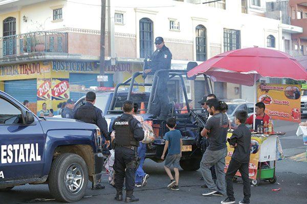 """Con mayor despliegue policial """"blinda"""" SSP Sinaloa el Carnaval Mazatlán 2018"""