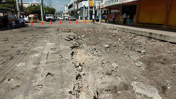 'Pavimentar las calles reactiva economía'