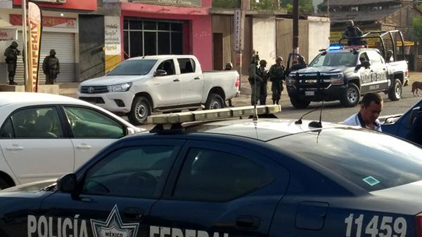 Se registra un enfrentamiento entre personas armadas y fuerzas federales