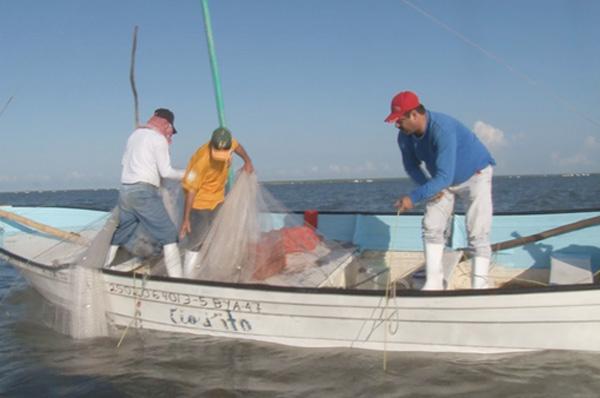 Pescadores de Guamúchil piden ser incluidos en Empleo Temporal