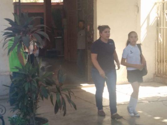Evacuan escuela primaria tras fuga de gas butano