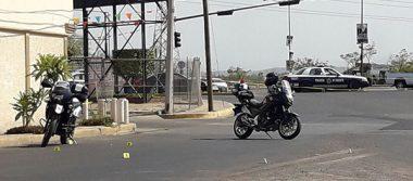 Sobreviven a atentado a balazos tres agentes de tránsito