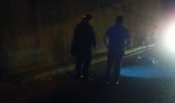 Arrojan cadáver sobre Libramiento Benito Juárez