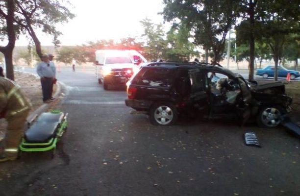 """Cuatro lesionados en volcadura sobre """"La Costerita"""""""