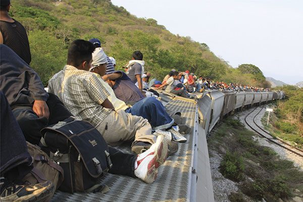 Piden diputados que se ayude a migrantes