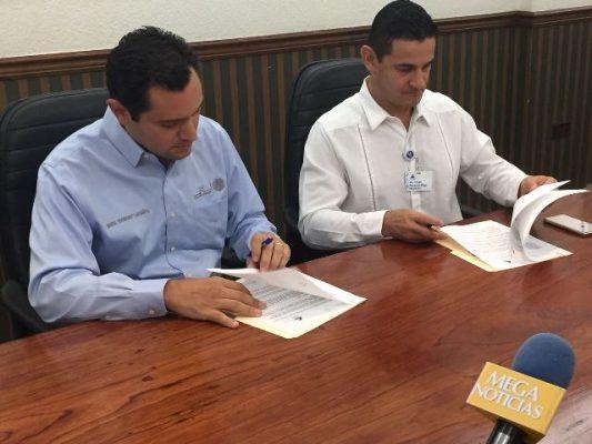 Firman convenio de colaboración SE y Canaco Los Mochis