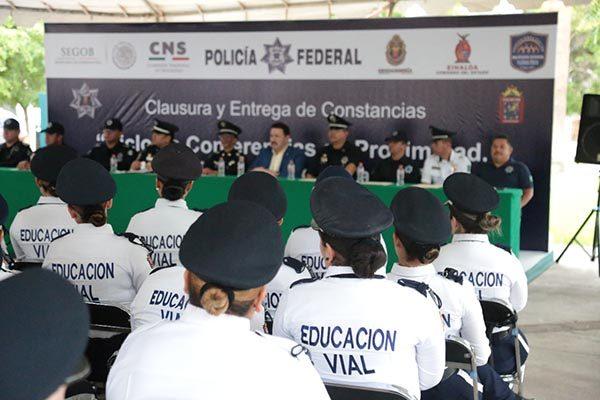 Finalizan policías del estado el curso de Proximidad