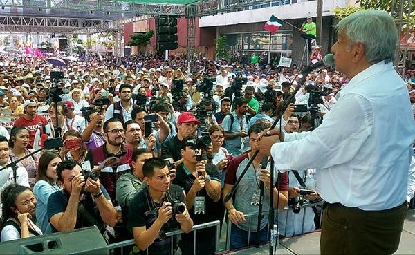 López Obrador cierra campaña en Culiacán