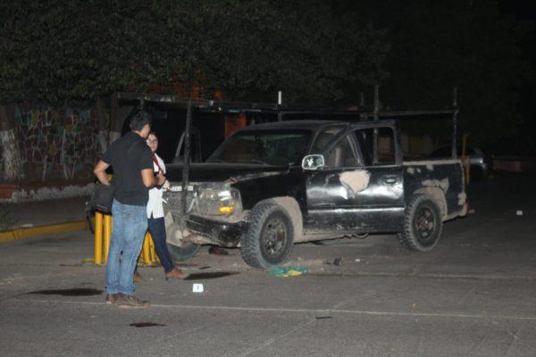 Se enfrentan policías municipales con presuntos ladrones