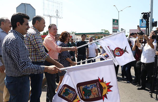 Quirino da banderazo de construcción a puente sobre el bulevar Rolando Arjona en Culiacán