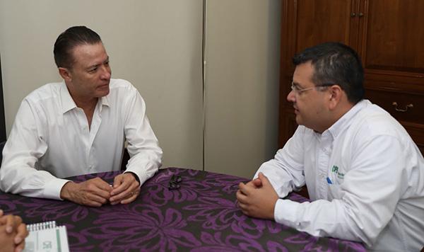 Recibe Quirino Ordaz al nuevo superintendente de la CFE en Culiacán