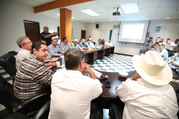 Logra gobernador destrabar recursos de apoyos a productores por 380 mdp