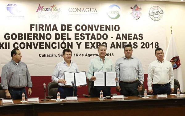 En la sede de la convención de la ANEAS, Peña Nieto y López Obrador juntos en Mazatlán