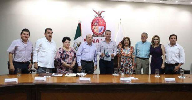 Se reúne Quirino con legisladores federales sinaloenses del PRI