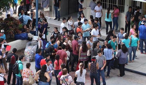 Exhortan a Rector de la UAS aceptar a todos los jóvenes rechazados