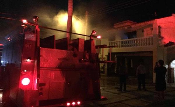 Se incendia parte de la casa del ex acalde de Ahome