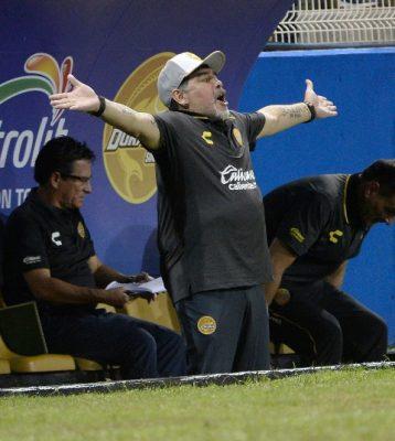 Maradona va por otra victoria