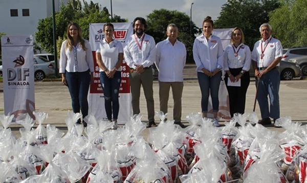 Casa Ley entrega a DIF Sinaloa 5,000 despensas para familias damnificadas
