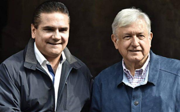 AMLO promete acabar con el charrismo sindical
