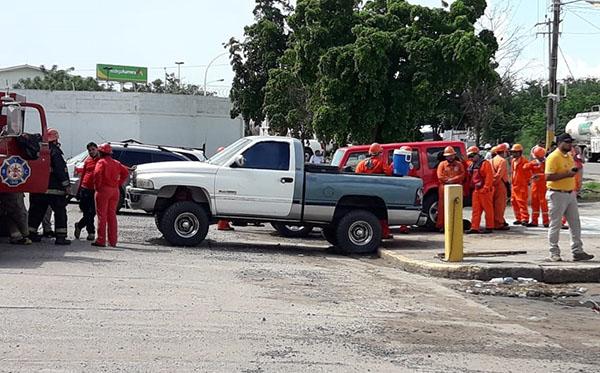 Desalojan a los empleados de Pemex tras amenaza de bombas