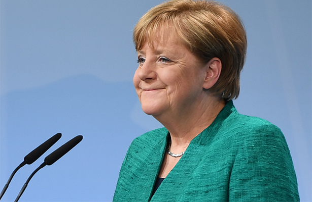 Angela Merkel luce tranquila y relajada previo a los comicios de septiembre