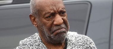 Bill Cosby, comediante acusado de agresión sexual en EU regresa al escenario