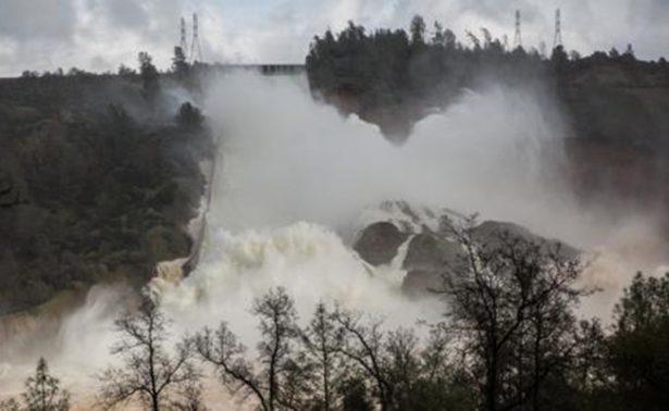 Levantan orden de evacuación en la presa Oroville pero se mantiene la alerta