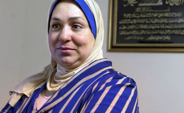 Niegan entrada a EU a mujer canadiense por tener videos en árabe