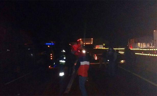 Cerrada la circulación vial en autopista México-Puebla por volcadura