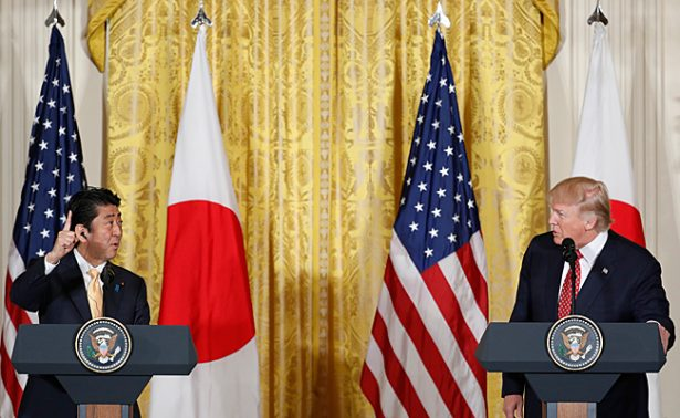 """Japón y EU coinciden en buscar relación comercial """"libre y justa"""""""