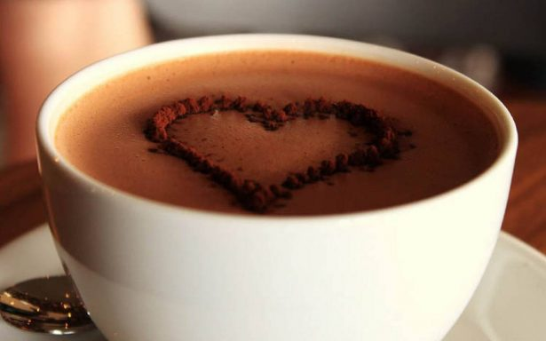 Uruapan se alista para preparar la taza de chocolate más grande del mundo