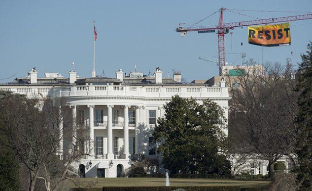 Arrestan a hombre por burlar seguridad de la Casa Blanca