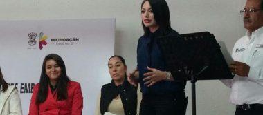 Entregan apoyos a madres solteras michoacanas para continuar estudios
