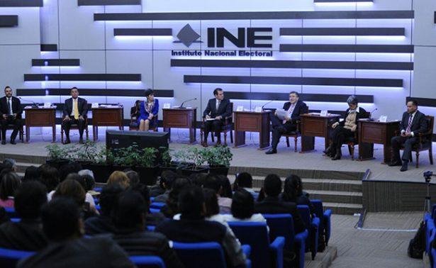 Democracia enfrenta nuevos desafíos desde el exterior, yde adentro: INE