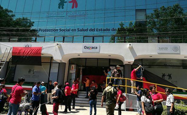 Estalla la huelga en el Seguro Popular de Oaxaca