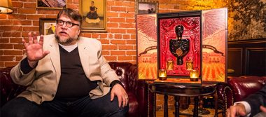 Guillermo del Toro promociona reconocido tequila