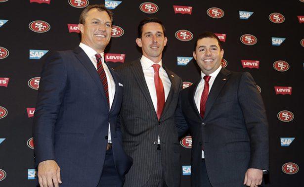 49ers presentaron a Shanahan