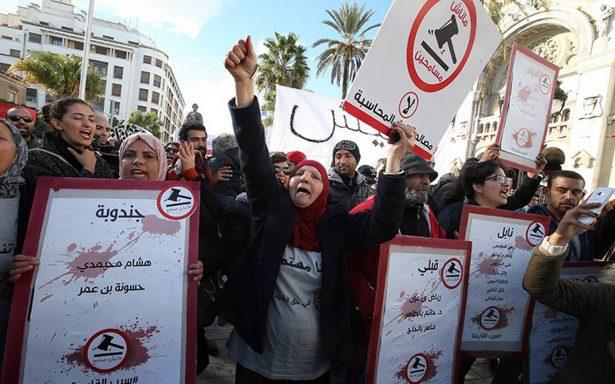 Túnez celebra el séptimo aniversario de una revolución inacabada