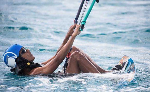 ¡Obama al extremo! visita isla en el Caribe y practica kitesurf