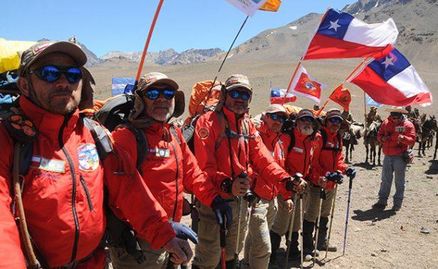 600 militares argentinos y chilenos recrear su historia