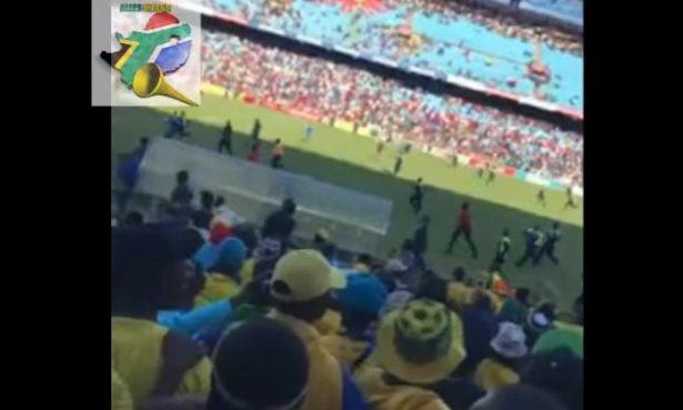 Aficionados invaden la cancha y agreden a jugadores tras perder 6-0