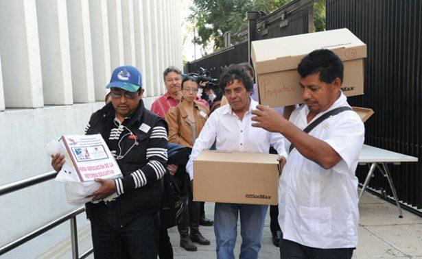 CNTE entrega propuesta de Reforma Educativa en el Senado