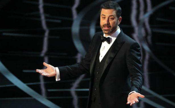 Tour, dulces, tuits… Jimmy Kimmel y su toque durante el Oscar