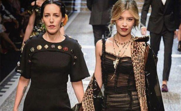 Michelle Salas y su mamá desfilan juntas para Dolce & Gabbana