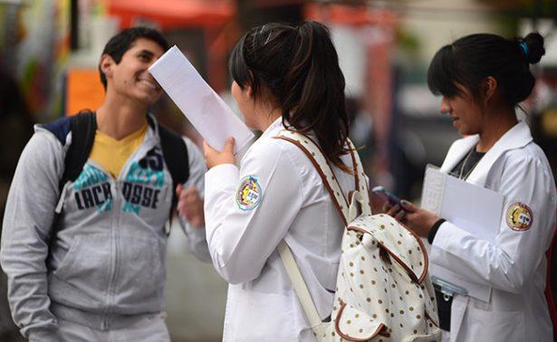 Ante inseguridad, FES Iztacala pide a alumnos no usar batas blancas