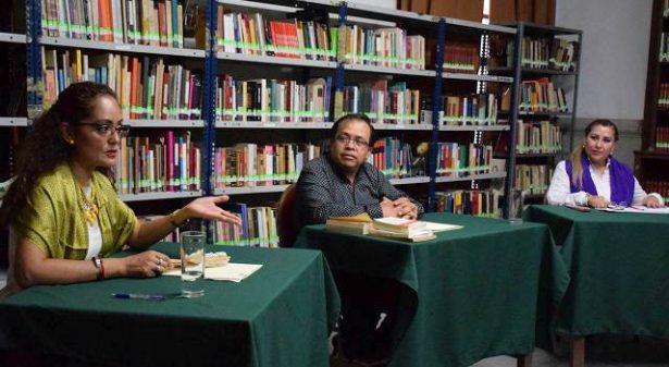 Presentan en la Biblioteca Municipal Poetas al Viento