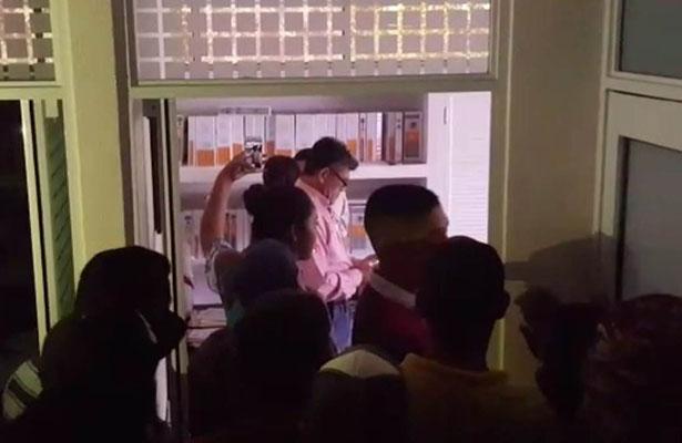 Irrumpen Alumnos en Oficinas Administrativas del Tec
