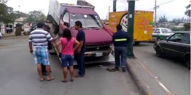 Chocan Dos Camionetas en el Centro de Altamira