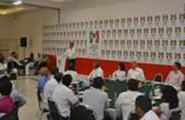 Baltazar Hinojosa se Reunió con la Estructura Estatal del PRI